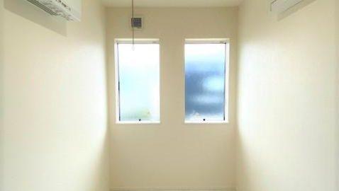 【ドライルーム】 共働きのご家庭にもうれしいドライルーム。天候問わず一年中お洗濯が快適にできます効率よく乾かす送風機付き!
