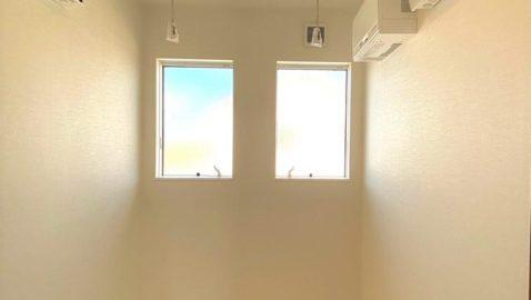 共働きのご家庭にもうれしいドライルーム。天候問わず一年中お洗濯が快適にできます。効率よく乾かす送風機付き!