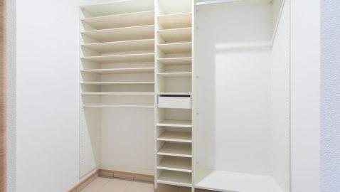 置き場に困る雨具や、お子様の外遊び道具もまとめて収納できて便利です。散らかりがちな玄関がキレイに保てます♪ ※実際の間取り・仕様は異なります
