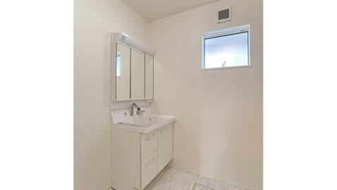 洗面所は、シンプルで清潔感があります。 水まわりを集約することで毎日の家事動線がらくらく・スムーズに!