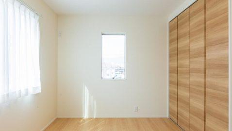 【居室(5.1帖)イメージ】 淡い色合いのお部屋は、どんなインテリアにも合いやすく自分流にコーディネートしやすいです♪ 全居室収納付き!お子様部屋にもぴったりです! ※実際の間取り・仕様は異なります。