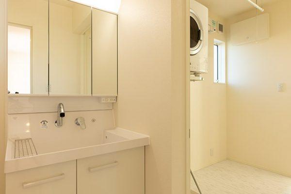洗面室、洗濯室